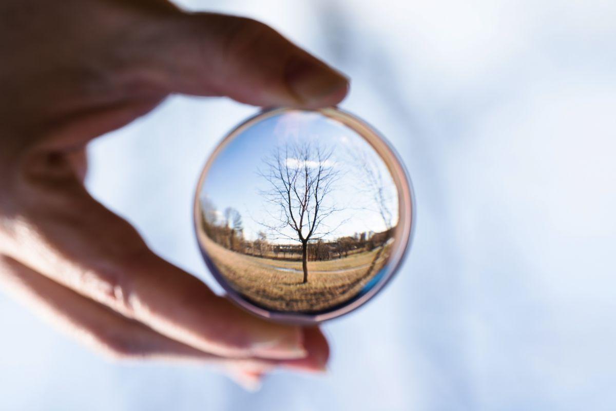 Clairvoyance cristal ball